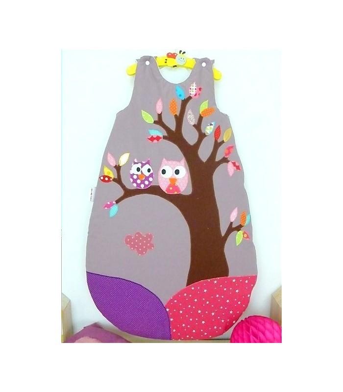 """Gigoteuse """"Hiboux dans l'arbre"""" fond parme"""