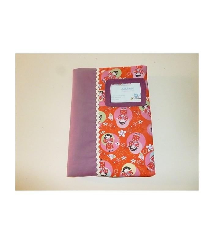 Protège-carnet de santé simple Kokeshi rouge
